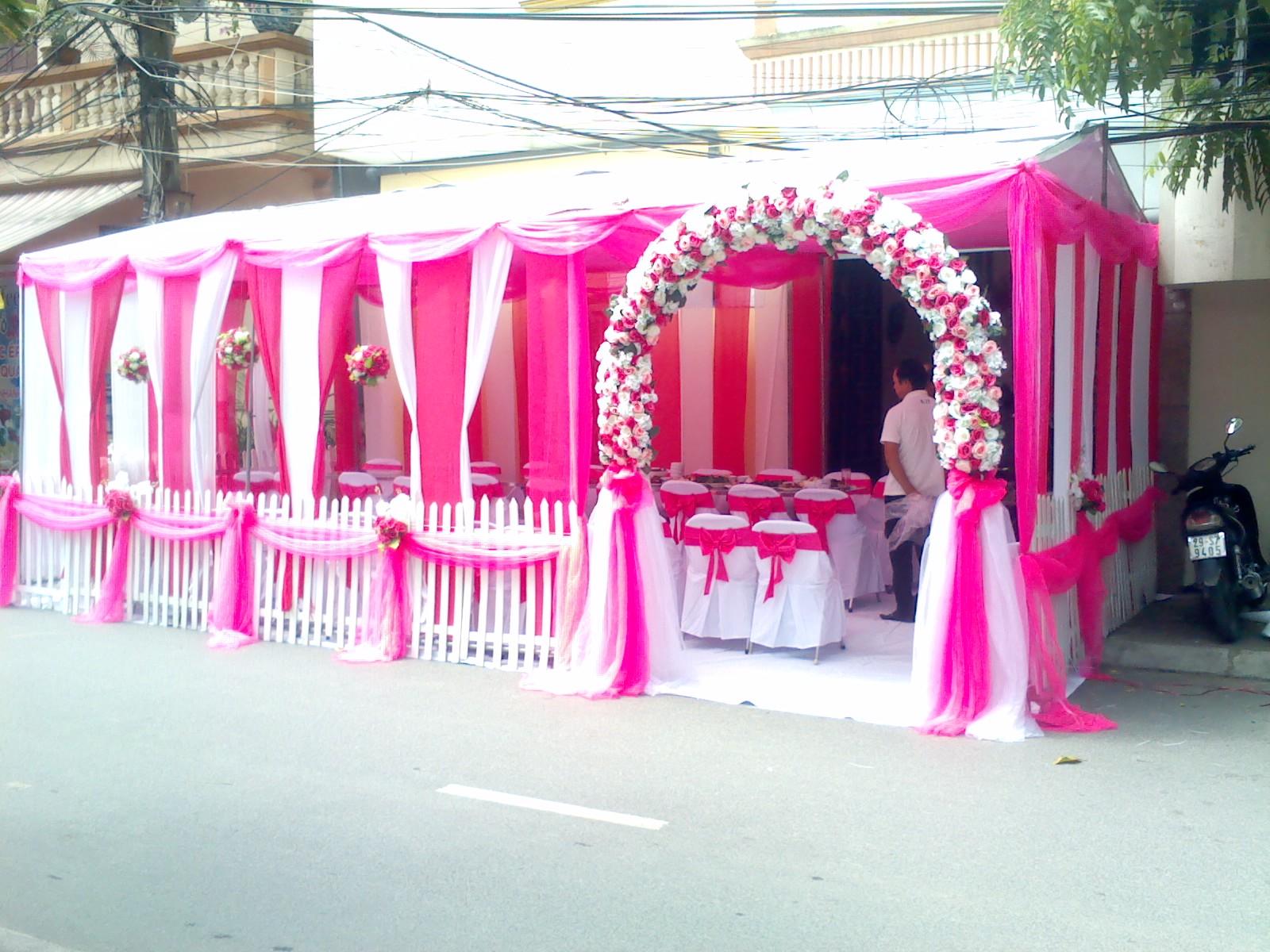 Cho thuê khung rạp màu hồng