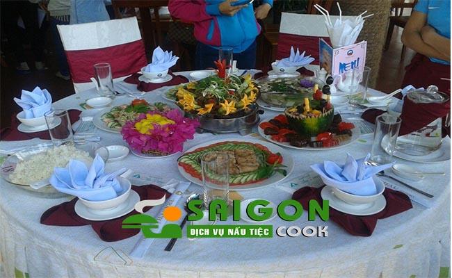 Đặt tiệc tân gia trọn gói tận nhà chi phí rẻ nhất Saigon Cook
