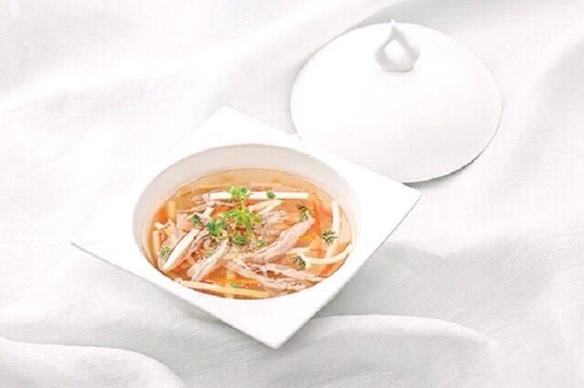 Đặt tiệc sinh nhật với thực đơn món súp vịt quay