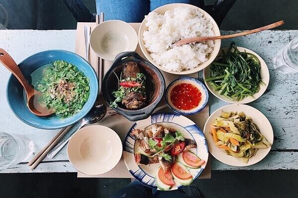 Kinh nghiệm mở quán cơm bình dân dịch vụ nấu ăn